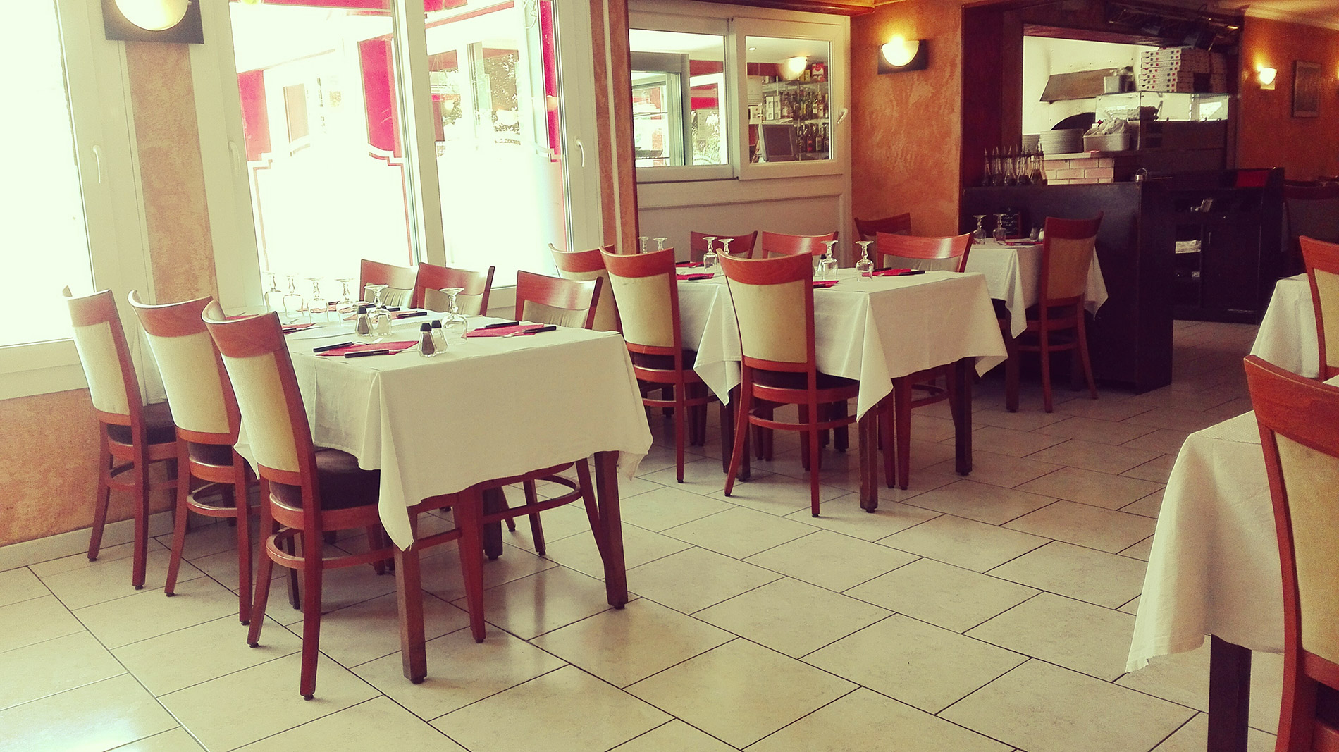 La villa c sar restaurant italien avec terrasse les for Restaurant yvelines avec jardin
